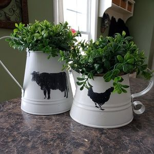 Other - Farmhouse metal watering can